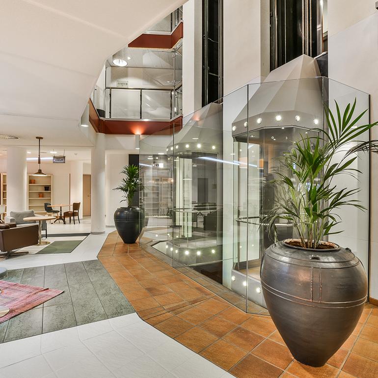 Hotel Den Haag-Voorburg: lifthal