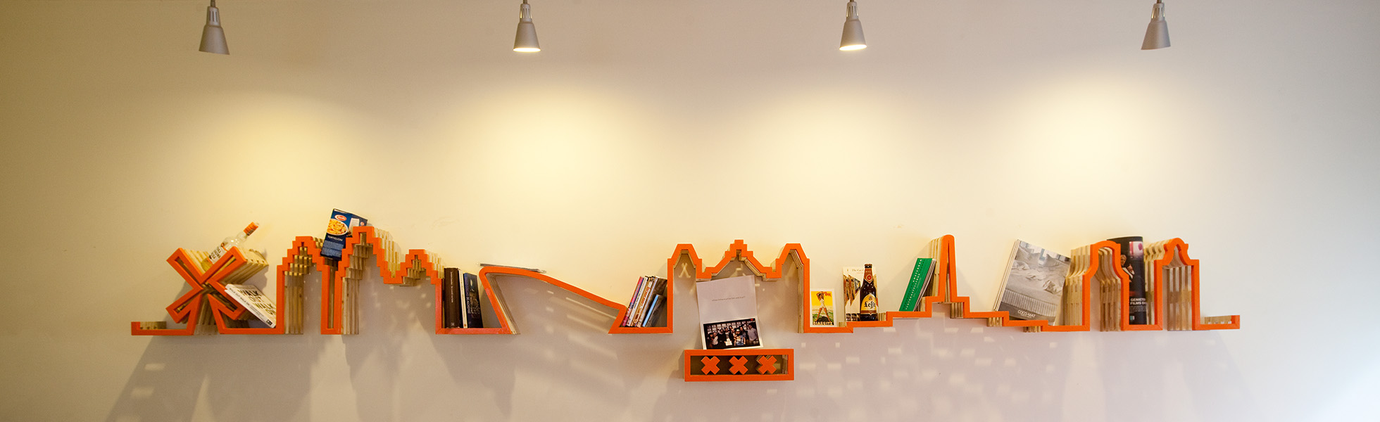 CityHub Amsterdam - skyline shelf