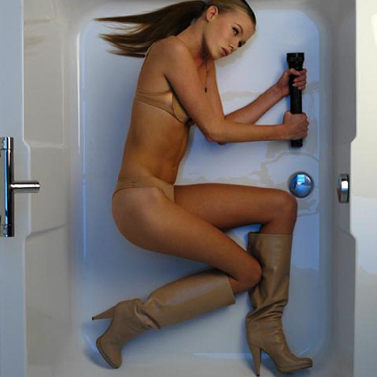 STROOM Rotterdam - vrouw in bad